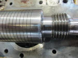 Kawasaki K3V180DT ремонт сервопоршеня управления поворотной плитой